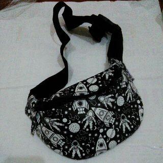 Unisex Black Waist Bag Tas Pinggang Fanny Pack Hitam
