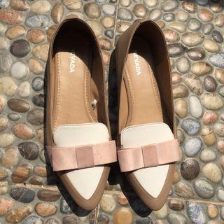 flat shoes cream pita