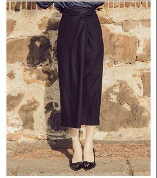 🚚 羊毛拼接開衩過膝黑裙