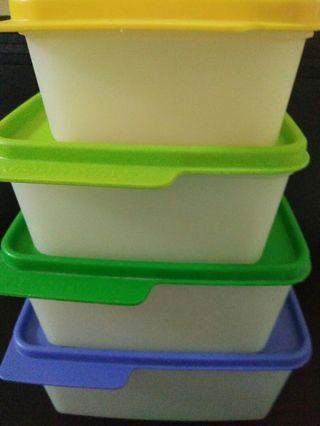 Tupperware set isi 4
