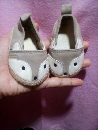 Free shipping!!Preloved h&m baby shoes
