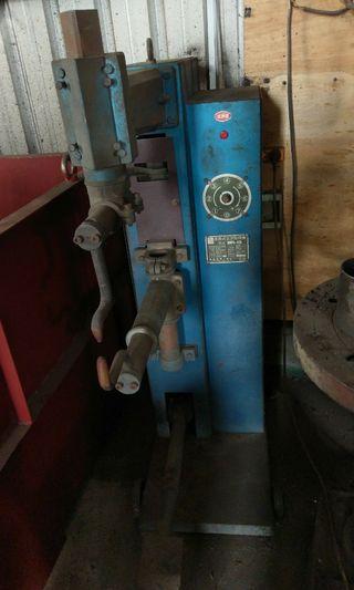 足踏式 點焊機 (中古)
