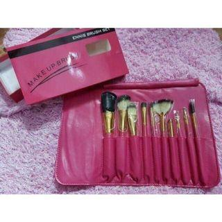 Make up brush w/ pouch