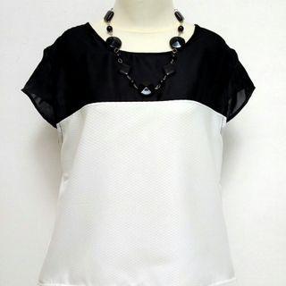 💁Black n white fesyen.