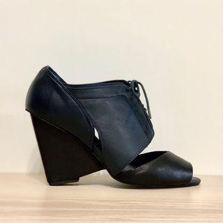 🚚 Jeffrey Campbell 綁帶露趾跟鞋
