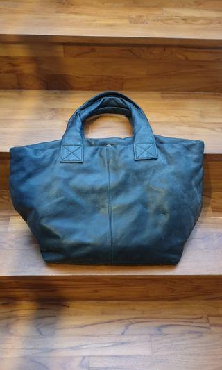 🚚 Authentic Rabeanco Black Puffy Cute Full Leather Tote Bag