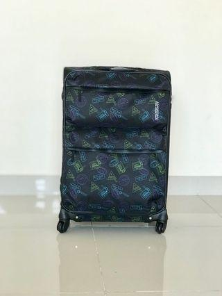 New Large American Tourister 4 wheel luggage