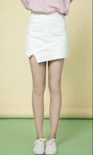白色下擺不規則褲裙