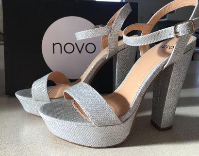 High Heels Novo Pippa Size 37 (size 6)