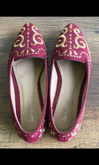 Gold inlay Maroon Flats