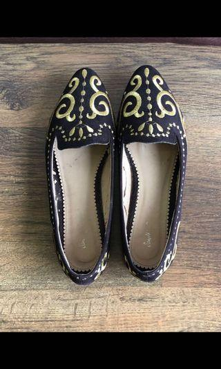Gold Inlay Black Flats