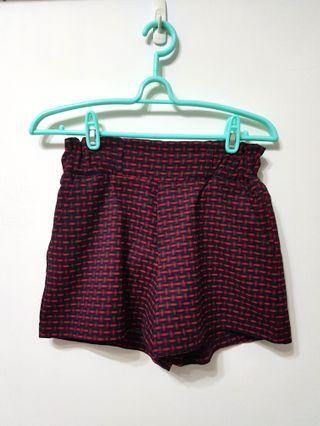 🚚 [售/換] 紅格紋毛料短褲