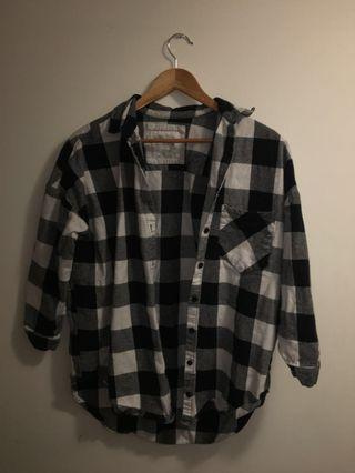 OVERSIZED Black and white checkered shirt