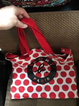 again b SPORT b PARIS 紅色圓形佈袋44cm濶,39cm高、底部7cm濶、有長帶、短帶