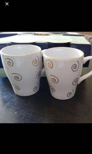 BN Rayware Gold Swirl Mugs(4pcs)