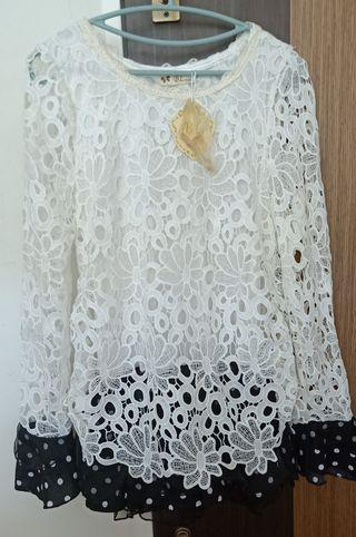 BMWT floral white Lace Top with polka dot flare