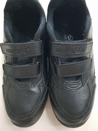 🚚 Preloved black shoe-size 34