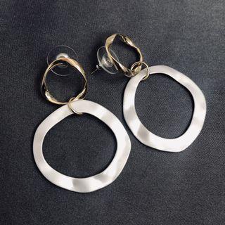 🚚 Vintage earrings