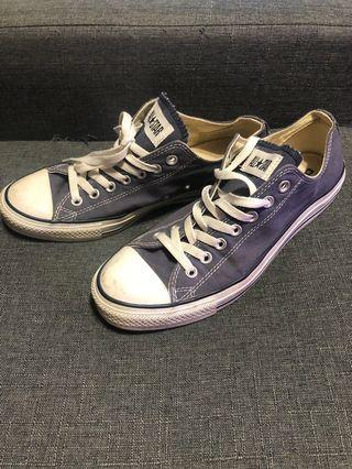 Converse Chuck Taylor Lows Size 9 US