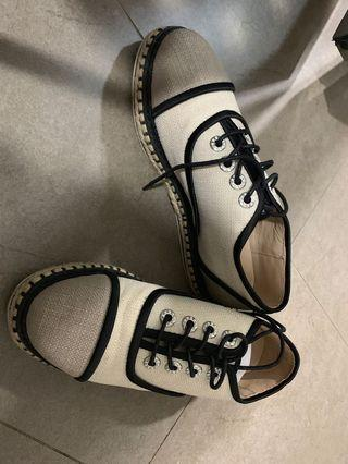 🚚 Chanel design shoes
