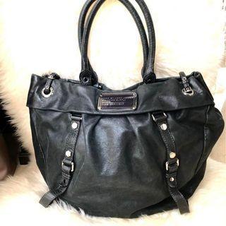 Marc Jacobs Full Leather Shoulder Bag in Black