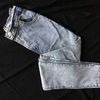 Wash Jeans