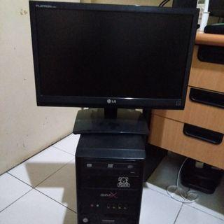 CPU bekas + Monitor LG (1366 x 768)
