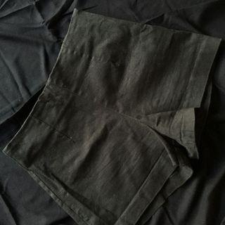Black Short Import