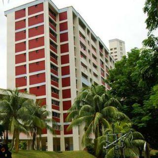 2+1 clementi west st 2 blk 714 fully furnished aircon avai 16/5 $1850 .
