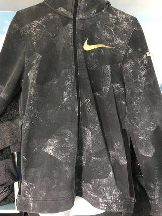 Nike LBJ 連帽開衩外套
