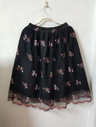 🚚 POU DOU DOU 日本品牌 高質感 精緻刺繡雕花蓬蓬紗裙