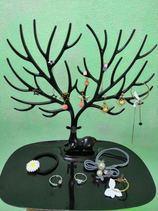 Deer Shape Accessory Storage Stand