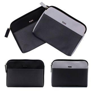 TUMI clutch pouch (Authentic)