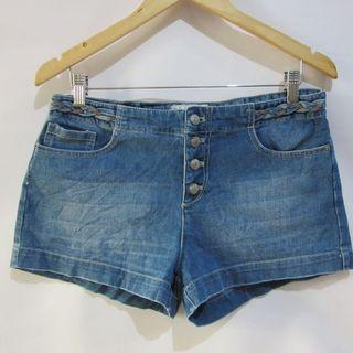 (32) Free People soft denim slightly stretchy fabric, nice in actual,