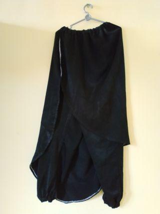 Rok celana hitam