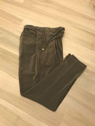 99% New 日本貴料綠色褲