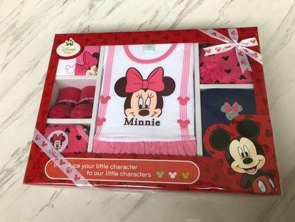 🚚 Brand New Disney Baby Girl Gift Set