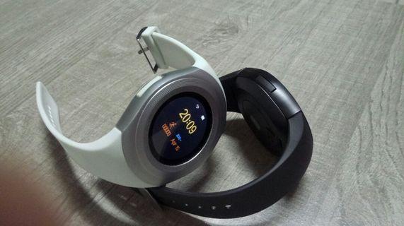 🚚 藍牙運動手錶