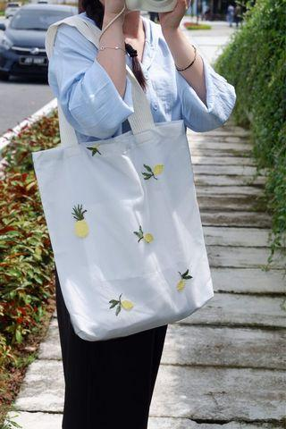 Pineapple Embroidery Lace Tote Bag