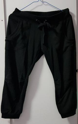 Blessing Black 3/4 Pants cotton on