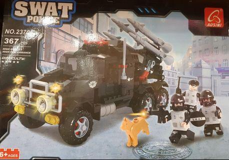 BN LEGO SWAT CAR