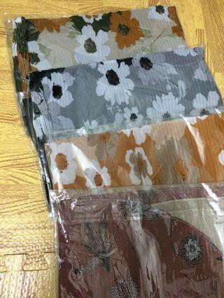 Pleated printed shawl