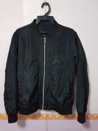 🚚 Black Bomber Jacket