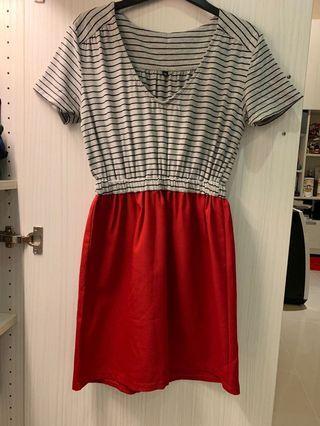 條紋配紅 洋裝 / 長版衫