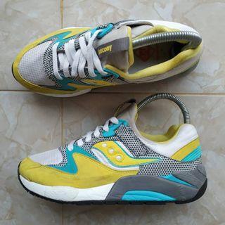 Sepatu Saucony Grid Original size 38