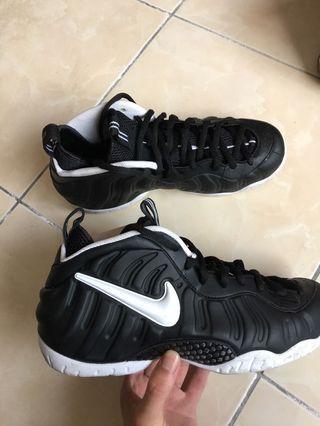 🚚 Nike air foamposite dr.doom us11