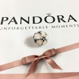 Pandora baby pink Sakura clip