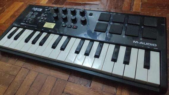 Axiom Mini Air 32 Midi Keyboard