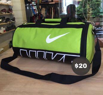 0092c33e Man united jacket + jogger pants (set ), Sports, Sports Apparel on ...