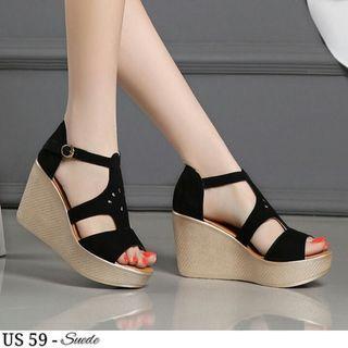 Sepatu wanita wedges dll